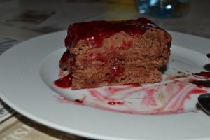 Part de gâteau chocolat-framboise