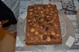 Pose de streusel sur le gâteau