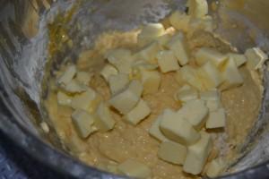 Incorporation du beurre mou en morceaux