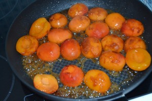 Abricots cuit dans le caramel
