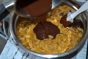 chocolat fondu verser sur les céréales