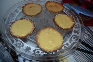 Crème mousseline étaler sur les tartes