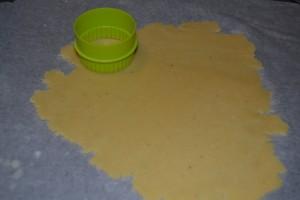 decoupe de la pâte à l'emporte piece