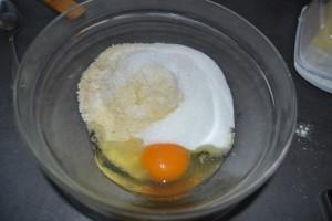 œuf, beurre mou et poudres