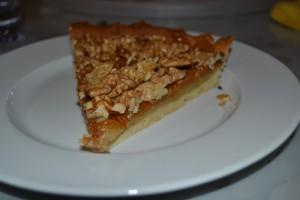 part de tarte aux noix