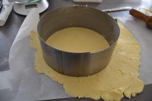 cercle de 20cm de diamètre sur la pâte