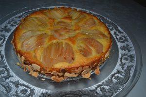 amandes torréfies sur le pourtour de la tarte
