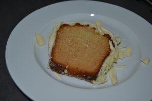 part de cake vanille -  chocolat blanc