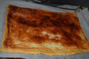 rectangle de pâte caramélisé