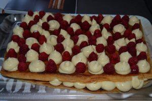 crème légère pocher et framboises fraîche
