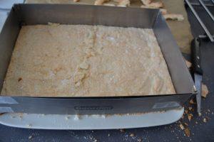 excedent de biscuit couper