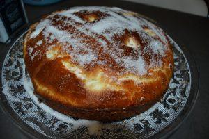 brioche madeleine saupoudrer de sucre semoule
