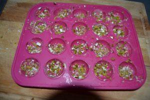 moules beurrer parsemer d'amandes et pistaches