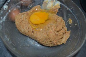ajout des œufs un à un