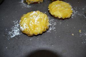 pommes saupoudrer de sucre glace