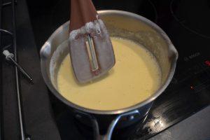 crème qui nappe la spatule
