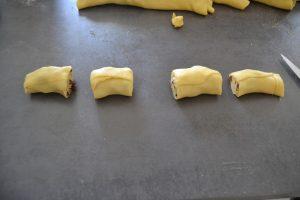 boudin de pâte découper en tronçon