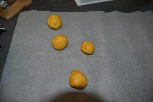 boule de pâte d'abricots