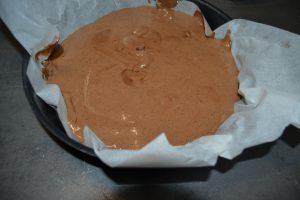 pâte verser dans un moule à manqué de 22 cm