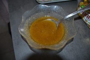 mélange beurre fondu, sucre roux et vanille