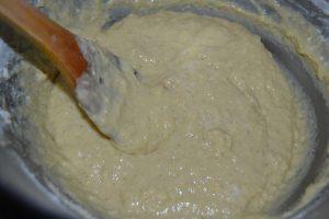 mélange de la farine et levure