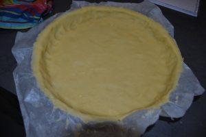 moule à tarte foncer de pâte sablée