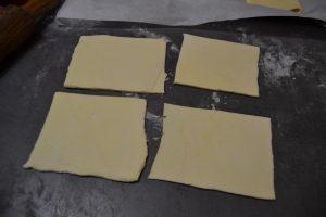 carré, rectangle de pâte feuilletée découper
