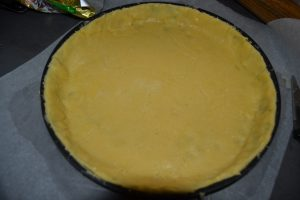 pâte sucrée déposer dans le moule