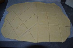 pâte couper en losanges et rectangles