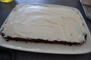 mascarpone vanillé étaler sur le biscuit cacao