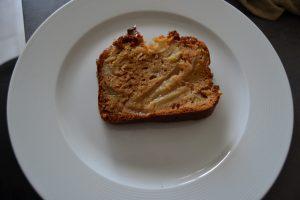 part de cake poires-pommes-caramel