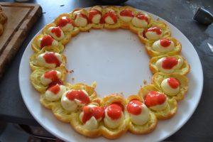 coulis de fraises sur crème diplomate