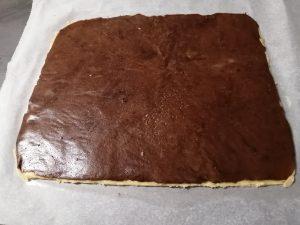pâte cacao dépose sur la pâte vanille