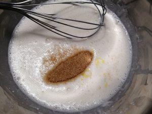 jaunes d'oeufs, sucre et sel