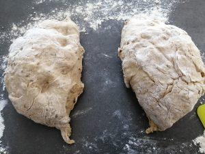 pâte découpé en 2 pâtons