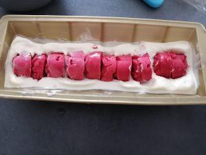 sorbet framboise dans la glace chocolat blanc