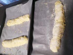 pain déposer sur une plaque