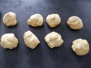Pâte couper en 8 morceaux