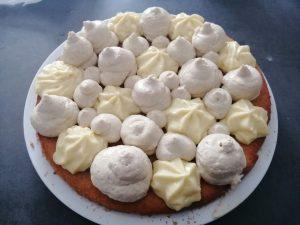 pochage de la crème vanille-tonka et la crème citron vert